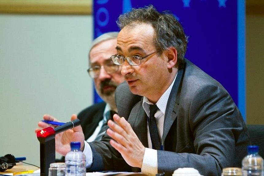 Fostul europarlamentar Traian Ungureanu: Vaccin cu soia
